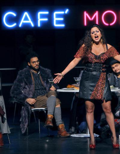 """Nicola Ziccardi als """"Marcello"""", Daniele Antonangeli als """"Colline"""", Bianca Tognocchi als """"Musetta"""", Matteo Desole als """"Rodolfo"""" und James Roser als """"Schaunard""""."""